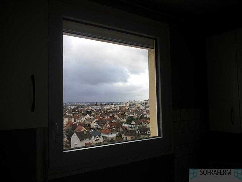 Fenêtre avec volet roulant extérieur LONGJUMEAU