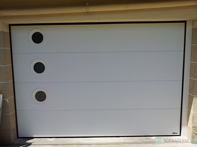 Porte de garage blanche MAROLLES EN HUREPOIX 91630