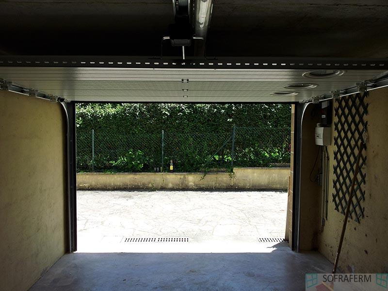 Porte de garage sectionnelle ouverte MAROLLES EN HUREPOIX 91630