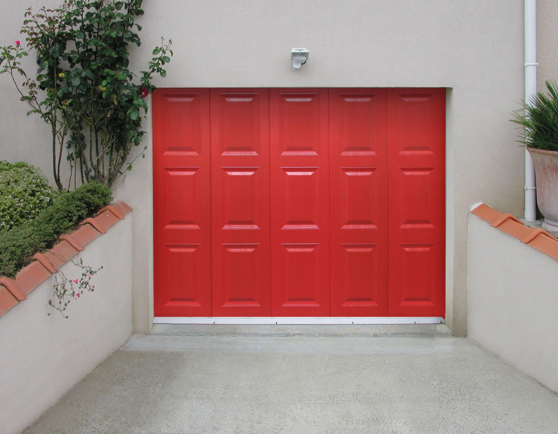 La porte de garage lat rale sofraferm fen tres portes for Porte de garage laterale electrique